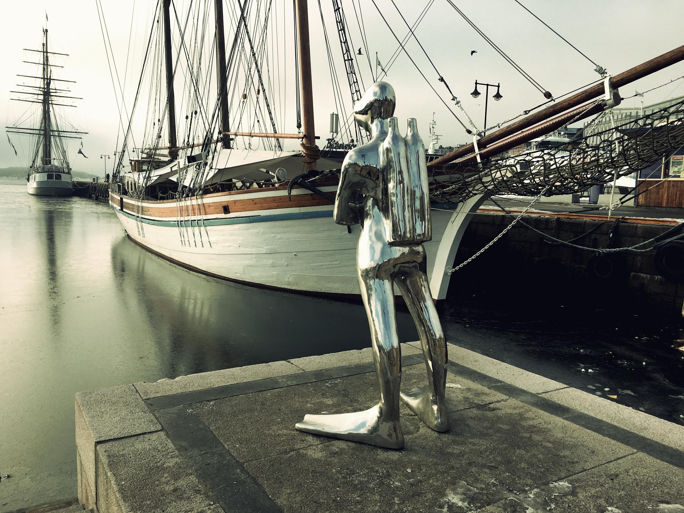 Scuba diver statue
