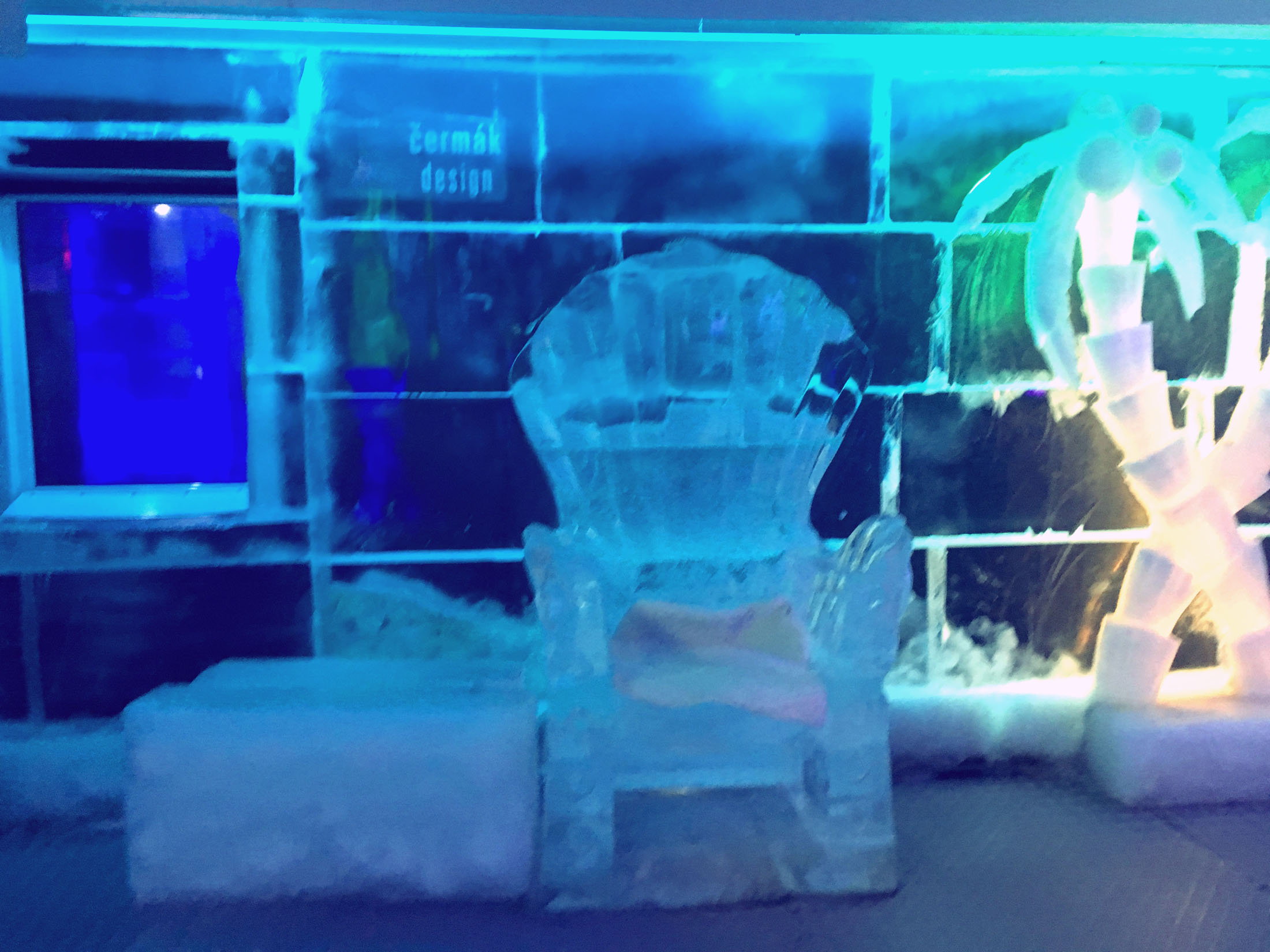 Ice Pub