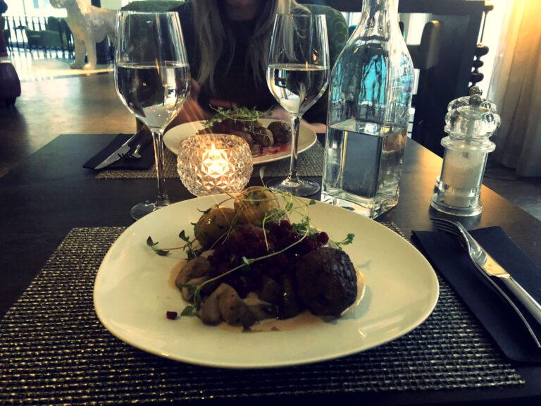 Rosen Bar and Dining