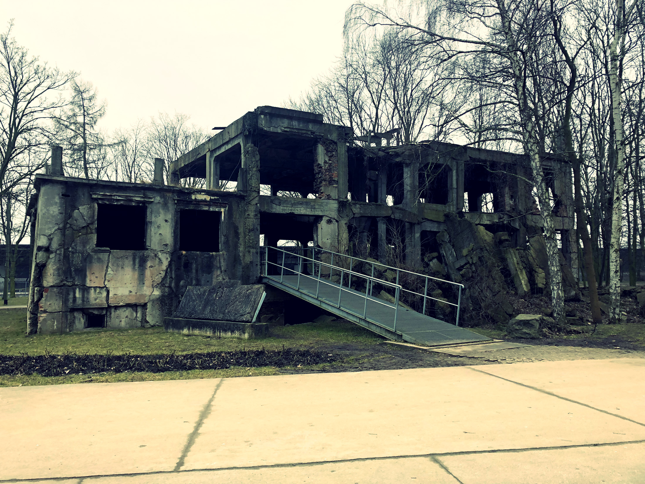 Westerplatte Ruiny Koszar