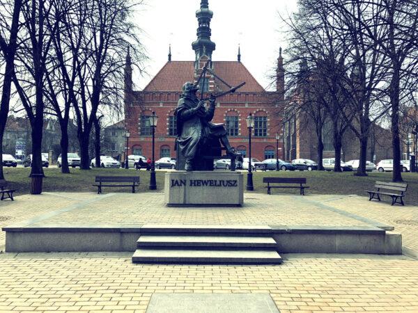 Jan Heweliusz-Statue