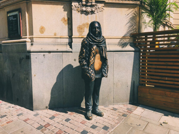 Staty av Margareta Krook