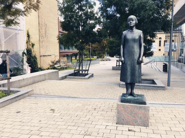 Karin Boyes staty
