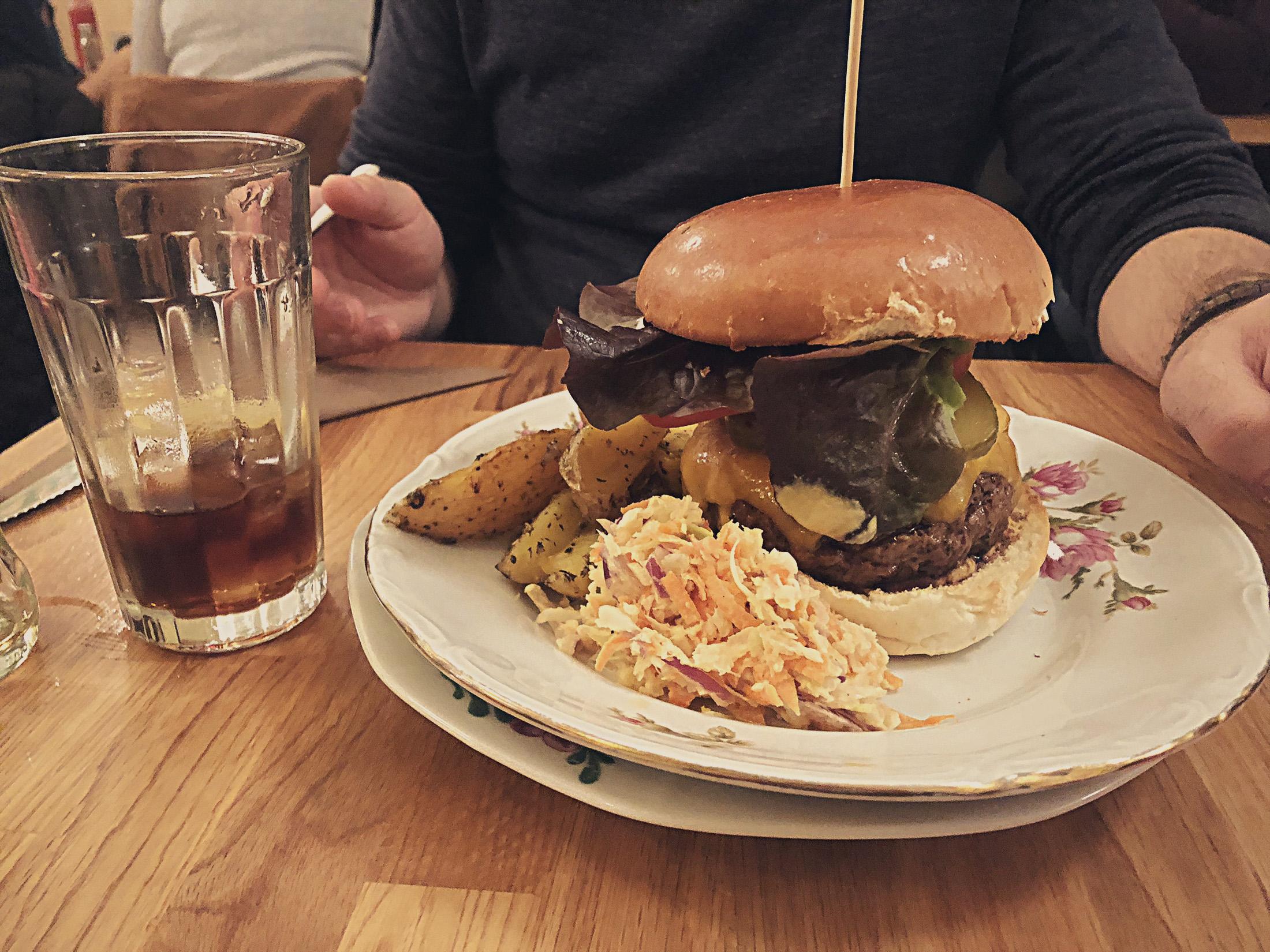 Rachel Bagels & Burgers