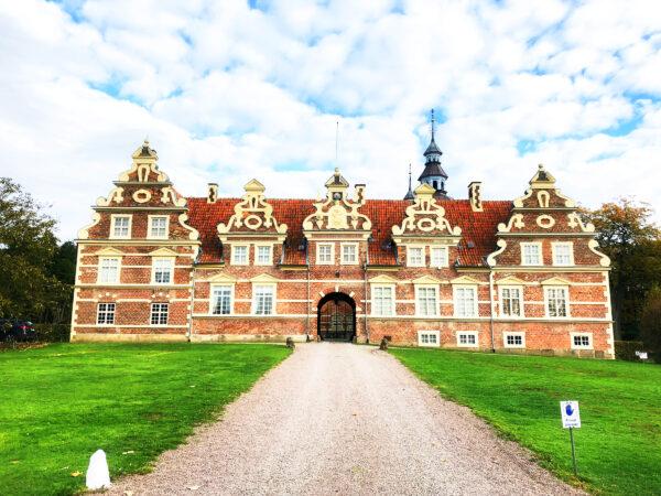 Vrams Gunnarstorps slott