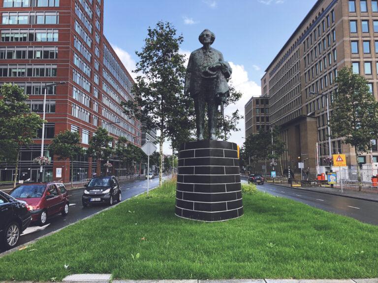 Statue F.M. Wibaut